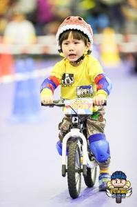 幼兒滑步車比賽