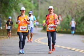 【跑步照片故事】我的她,河東獅烏來初馬現形記