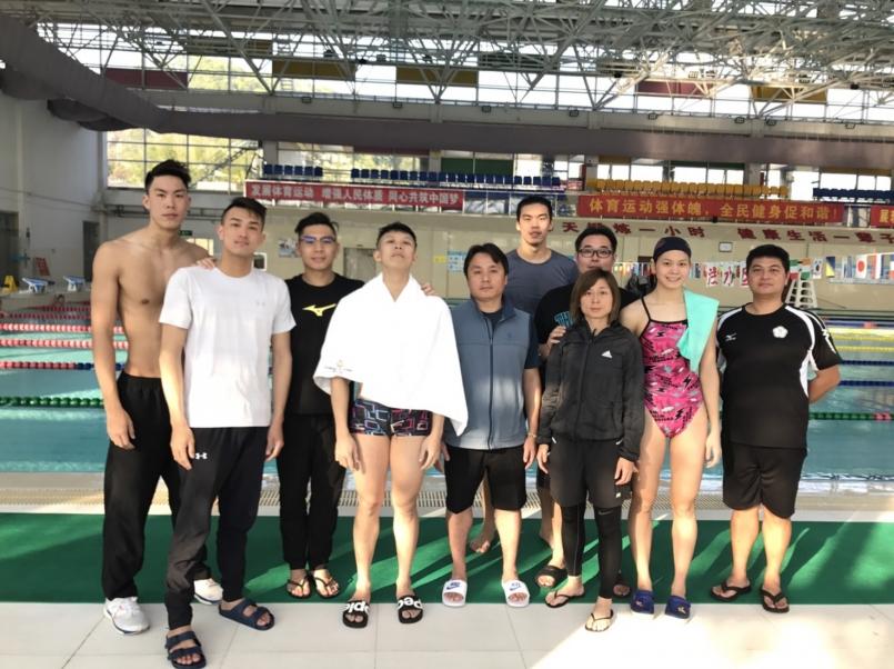 【新聞】備戰 2018 游泳賽事 一窺選手的移地訓練