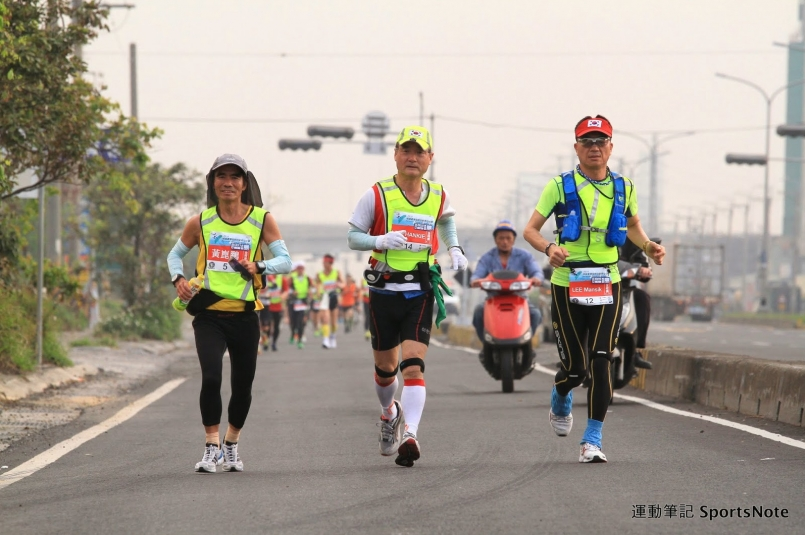 【飲食補給】充電!超級馬拉松的補給策略