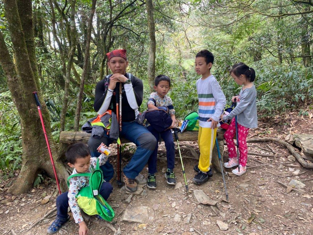 帶著孩子去爬山~日湯真山_925915