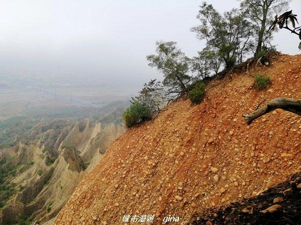 苗栗三義~拍照要遠離懸崖邊~小百岳火炎山_1206317