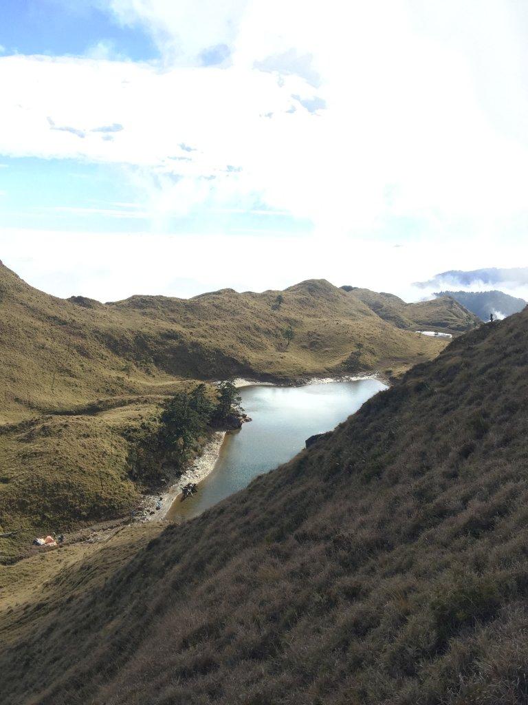 中央山脈最高的美麗湖泊七彩湖_570298