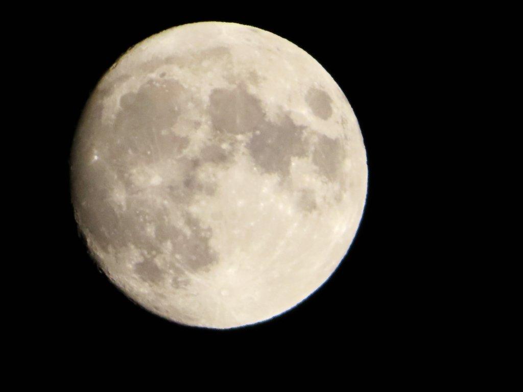 輕鬆的賞月步道:登虎山賞夕陽霞光及明月_677546