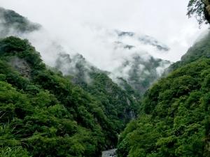 【山岳之美】雲霧繚繞的太魯閣