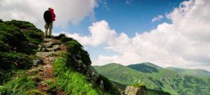 【訓練】爬山是最笨的運動?醫師破解慢跑、爬山、重訓傷膝迷思