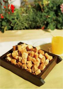 【書摘】《超簡單!露營野趣料理100道》-麵包丁
