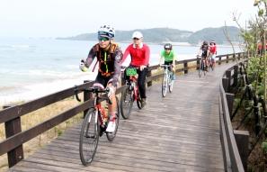 【新聞】浪漫騎遊 雙灣自行車道正式啟用