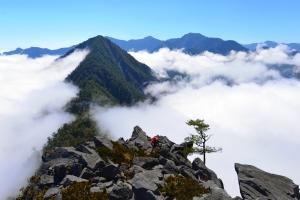 【美哉台灣】雲天之上、亂石如刃:南二子頂顛的那一天