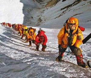 【書摘】《聖母峰》-山岳之音 征服峰頂