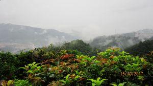 登山遇雨是常有的事 !