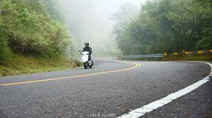 麟趾山賞雲霧繚繞的玉山群峰
