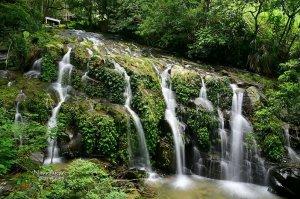 【嘉義】走太興飛瀑步道.探訪台版九寨溝珍珠灘--阿葉溪瀑布