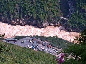 虎跳峽—高路徒步路線、白水台