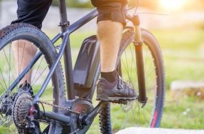 【新聞】電動自行車沒戴安全帽將開罰 額度低於機車騎士