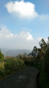 七星山東峰+波光粼粼的夢幻湖