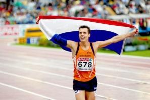 【訓練】跟著荷蘭800m 紀錄保持者 Bram Som 來場 5 分鐘的腿部鍛鍊!