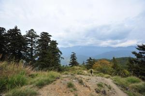 [春夏之際] 南湖大山、圈谷
