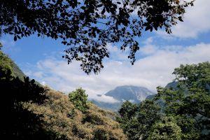 瓦拉米:登山口至山屋