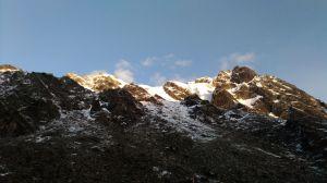 四川半脊雪峰海拔5430米