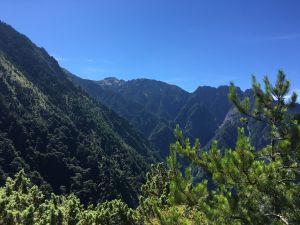 石瀑滿溢-玉山前峰