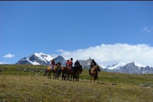 蒙古 友誼峰基地營健行