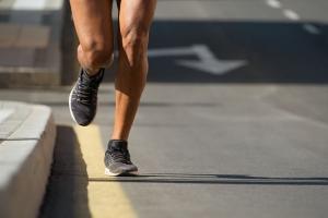 【跑者進化錄】跑步時如何落地?腳跟與腳掌的迷思