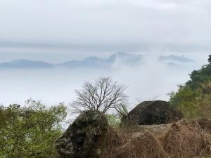 梅峰古道上竹子尖山