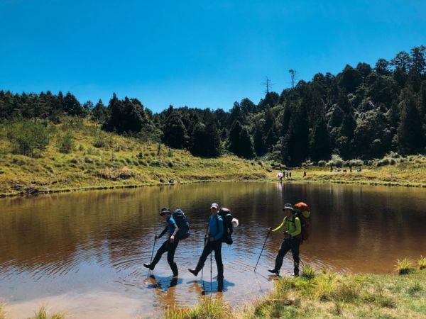 加羅湖-上山渡假