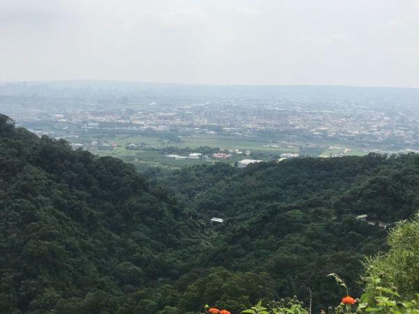 新田步道登聚興山