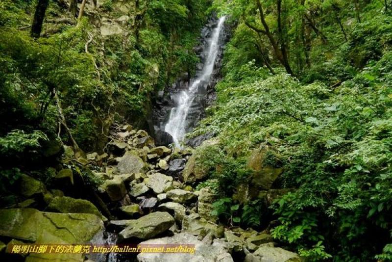 鹿角坑步道、楓林瀑布