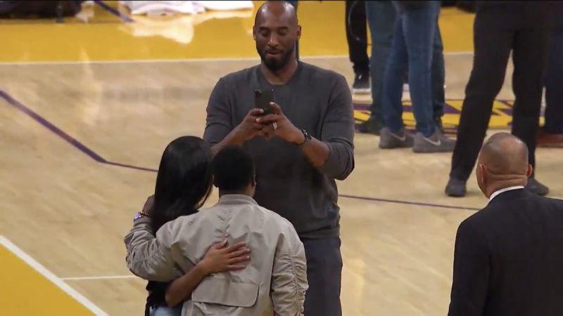 【影片】Kobe場邊幫女兒與Hart合影  球評虧:Gigi比他還高了