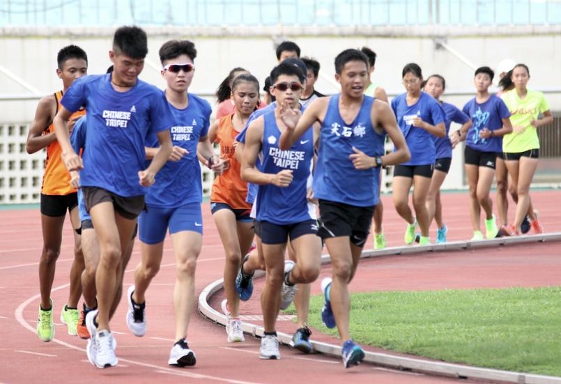 【新聞】「衝刺!」高雄市田徑訓練營開跑 全力備戰 108 年全運會