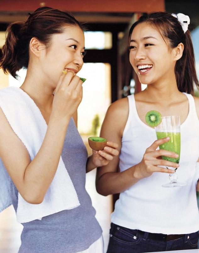 ▲運動前、後適合吃低腹敏、高維生素C的水果如:奇異果、芭樂,能保護肌肉組織的健康...